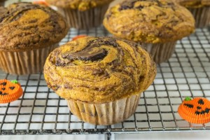 Pumpkin and nutella with a hint of orange?  Sounds like a winning combination to me. These pumpkin nutella swirl muffins are a delicious, seasonal breakfast treat.