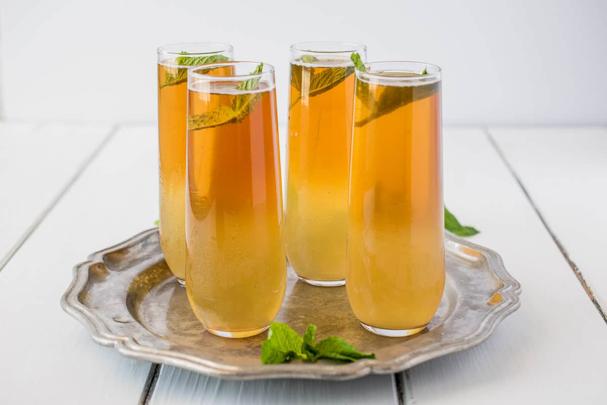 This Early Grey ginger spritzer is a light, refreshing summery drink made of just Earl Grey tea and non alcoholic ginger beer. A simple 2 ingredient drink perfect for sipping on those warmer days or evenings as the sun goes down.