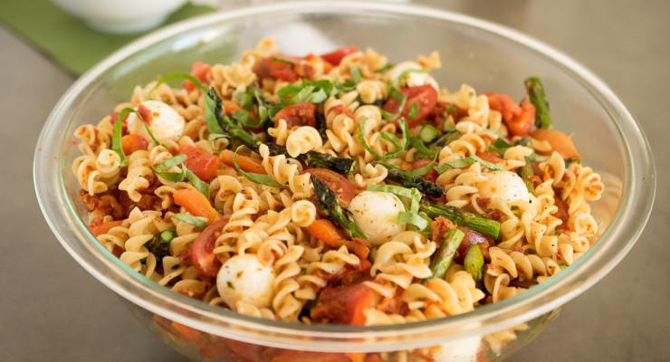 Grilled vegetable sun-dried tomato pesto pasta