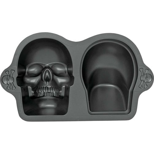 The skull cake pan used to make this cake