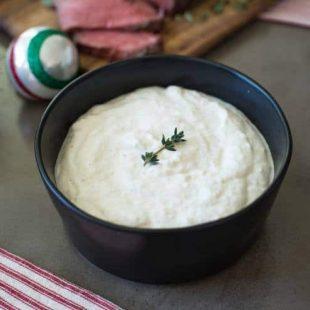 Homemade creamy horseradish sauce