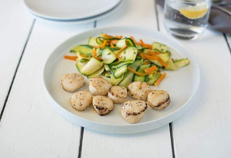 Lemon Pepper Scallops with Sautéed Squash