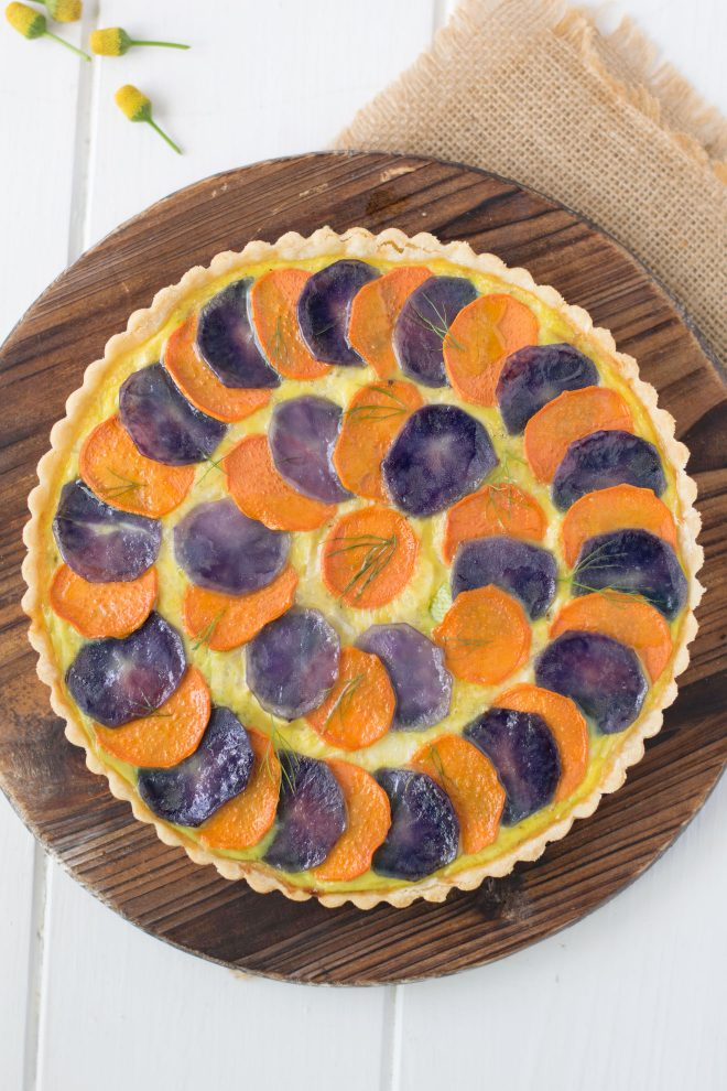 The quiche from overhead showing the concentric pattern of the potato slices